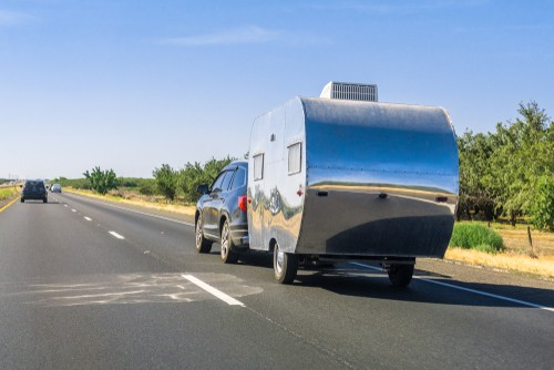 safe driving, Safe Driving Tips for Towing a Camper
